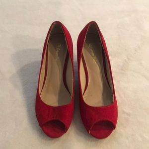 Dream pairs red wedges